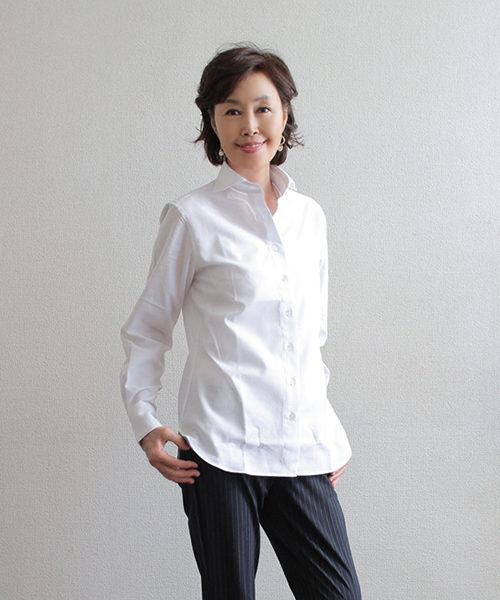 白のカラミシャツ